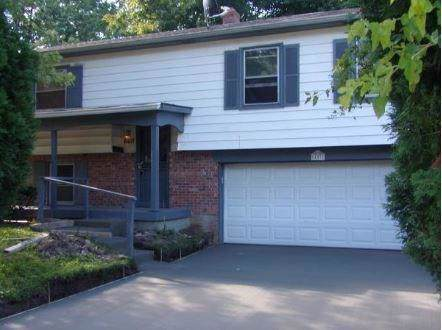 8407 E 34th Place, Indianapolis, IN 46226 (MLS #21676691) :: HergGroup Indianapolis