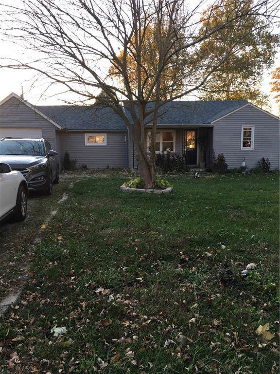 8243 N Sugar Creek Myrtle Lane, Fairland, IN 46126 (MLS #21678746) :: Mike Price Realty Team - RE/MAX Centerstone