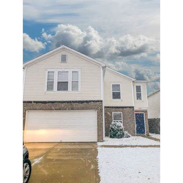 11614 Presidio Drive, Indianapolis, IN 46235 (MLS #21680398) :: The Star Team | RE/MAX Realty Group