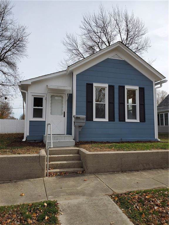 908 S 9th Street, Noblesville, IN 46060 (MLS #21680413) :: The Indy Property Source