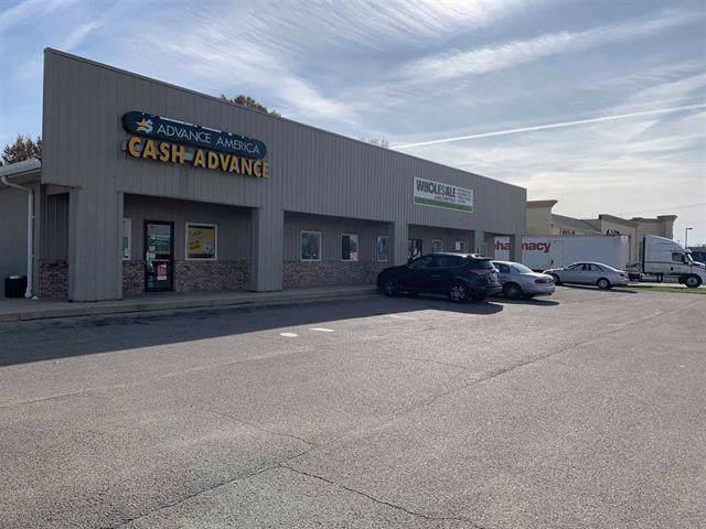 1712 N Walnut Street, Hartford City, IN 47348 (MLS #21680968) :: The ORR Home Selling Team
