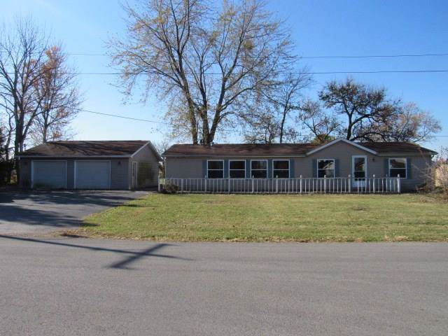 603 Lafayette Street, Frankton, IN 46044 (MLS #21681629) :: Richwine Elite Group
