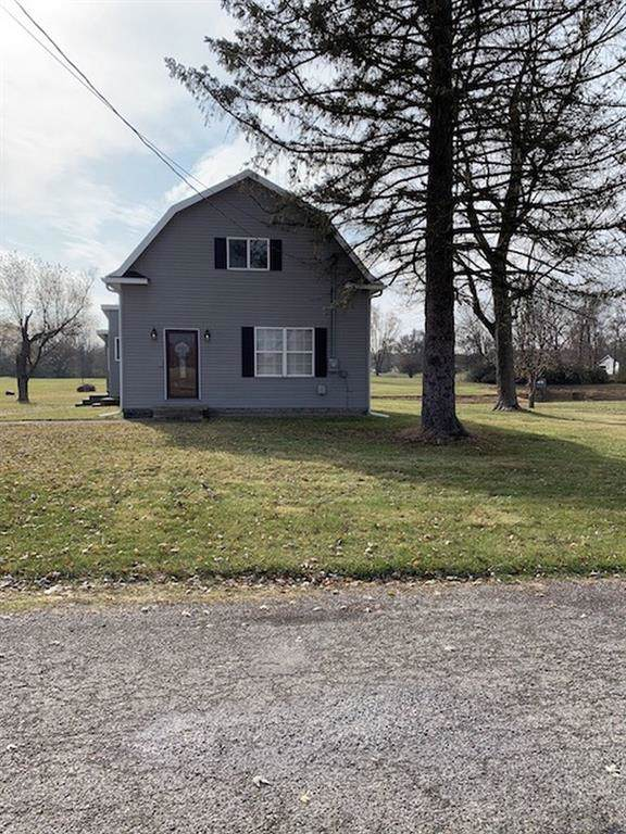 1613 W Country Club Drive, New Castle, IN 47362 (MLS #21682129) :: Richwine Elite Group