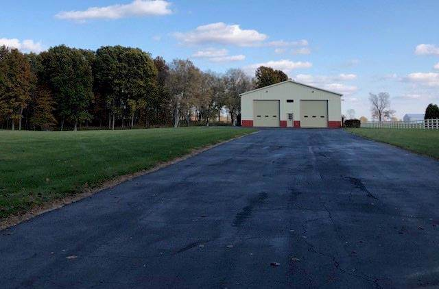 5555 S County Road 200 W, Clayton, IN 46118 (MLS #21682219) :: The Indy Property Source