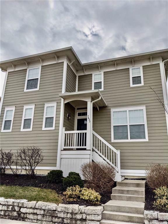 7633 Beekman Terrace, Zionsville, IN 46077 (MLS #21686150) :: David Brenton's Team