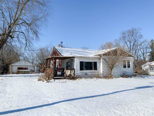 301 N Center Street, Eaton, IN 47338 (MLS #21687278) :: The ORR Home Selling Team