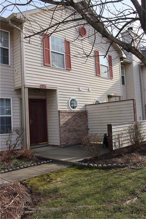 6137 Wildcat Drive, Indianapolis, IN 46203 (MLS #21688090) :: Mike Price Realty Team - RE/MAX Centerstone