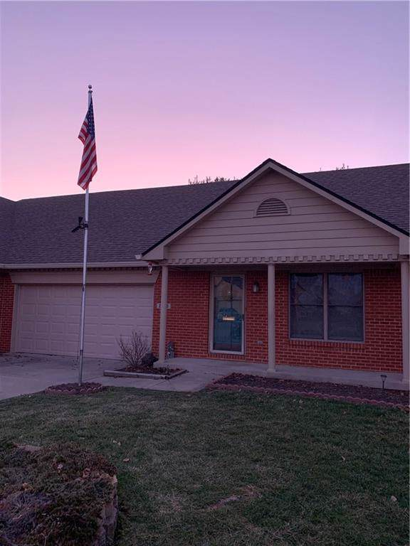 2746 W Colony Lake Drive, Plainfield, IN 46168 (MLS #21688447) :: Mike Price Realty Team - RE/MAX Centerstone