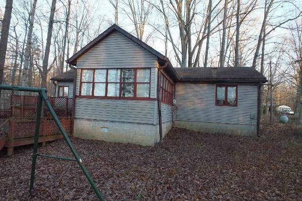 8630 N Briarwood Lake East Drive, Monrovia, IN 46157 (MLS #21688655) :: Mike Price Realty Team - RE/MAX Centerstone