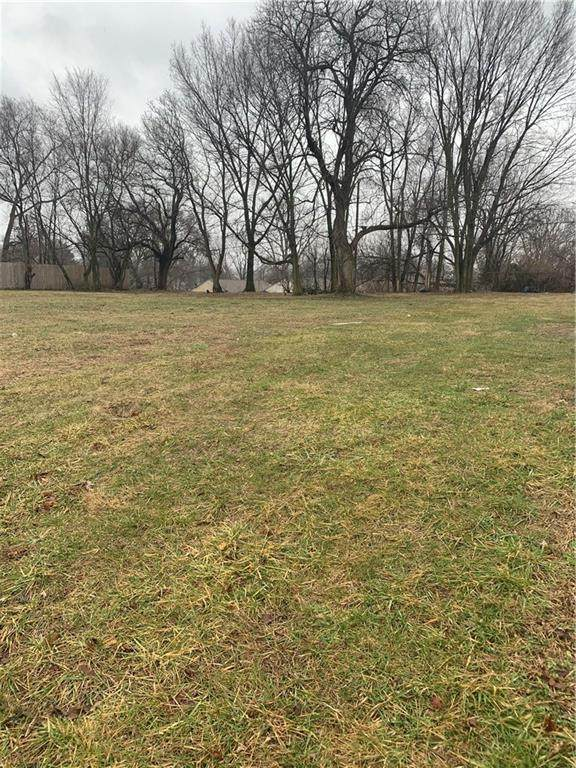 821 W Roache Street, Indianapolis, IN 46208 (MLS #21689920) :: The Indy Property Source