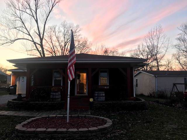 774 S Baseline Road, Bloomfield, IN 47424 (MLS #21690152) :: Mike Price Realty Team - RE/MAX Centerstone
