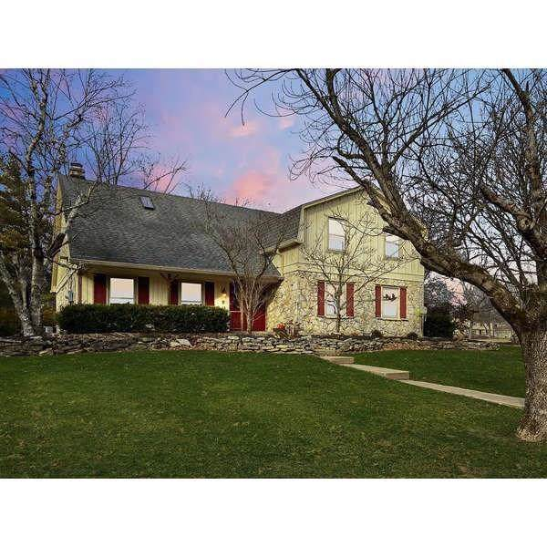 8950 Sourwood Court, Indianapolis, IN 46260 (MLS #21691081) :: Your Journey Team