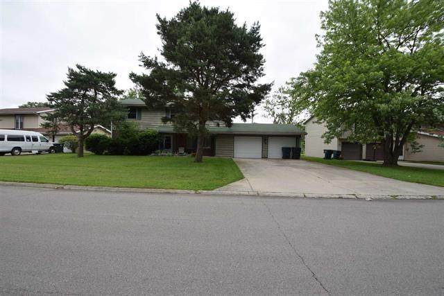 208 W Charter Drive, Muncie, IN 47303 (MLS #21694983) :: Richwine Elite Group