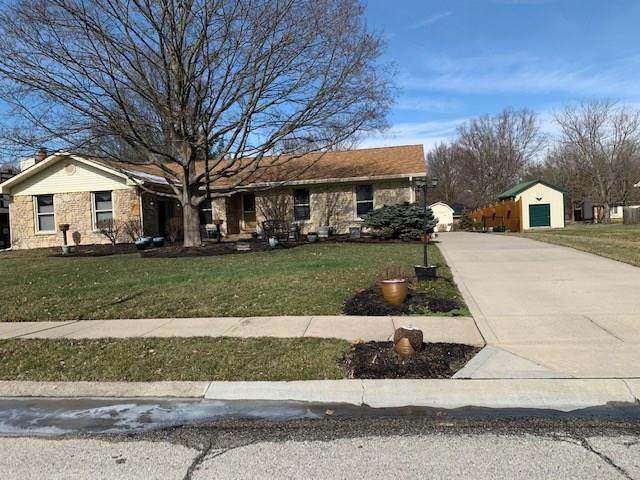 876 Briarwood Drive, Greenwood, IN 46142 (MLS #21695466) :: The ORR Home Selling Team