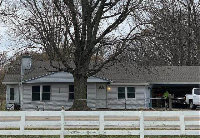 13309 W State Road 32, Yorktown, IN 47396 (MLS #21695558) :: The ORR Home Selling Team