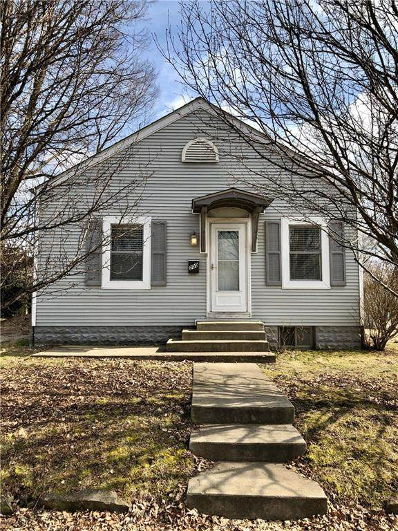 209 N Lincoln Street, Martinsville, IN 46151 (MLS #21696171) :: Mike Price Realty Team - RE/MAX Centerstone