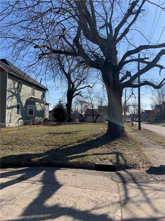 1761 W Miller Street, Indianapolis, IN 46221 (MLS #21696189) :: Mike Price Realty Team - RE/MAX Centerstone