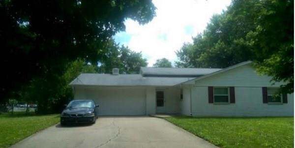 2421 N Saturn Drive, Indianapolis, IN 46229 (MLS #21699367) :: The ORR Home Selling Team