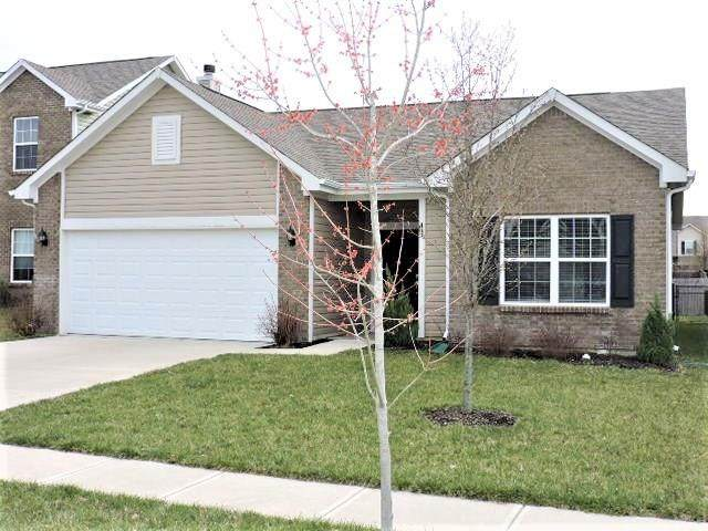 2429 Blackthorn Drive, Franklin, IN 46131 (MLS #21701977) :: David Brenton's Team