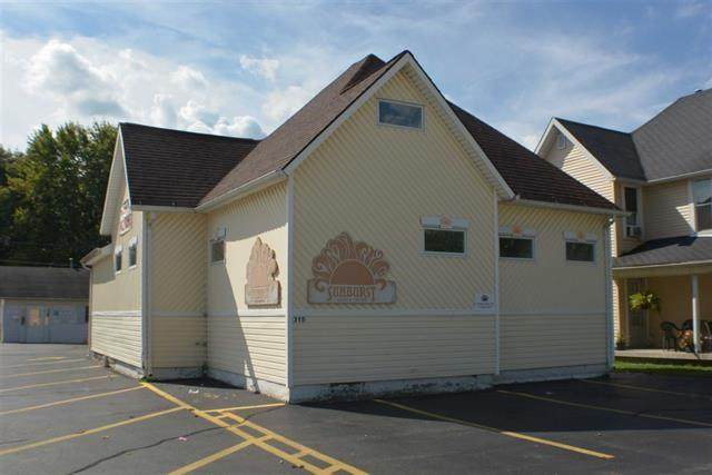 315 W Markland Avenue, Kokomo, IN 46901 (MLS #21702275) :: AR/haus Group Realty