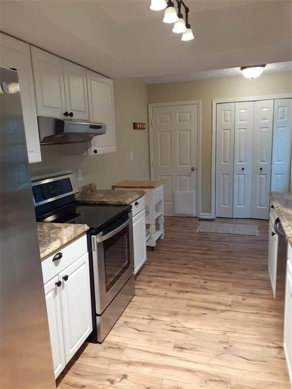 5126 Greensview Way, Avon, IN 46123 (MLS #21703042) :: Heard Real Estate Team | eXp Realty, LLC