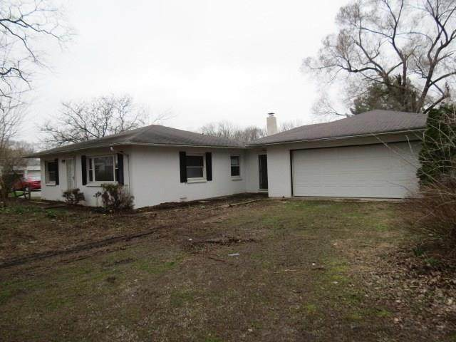 11700 W State Road 32, Yorktown, IN 47396 (MLS #21703350) :: The ORR Home Selling Team