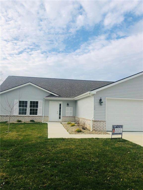 3325 Village Drive, Anderson, IN 46011 (MLS #21704237) :: AR/haus Group Realty