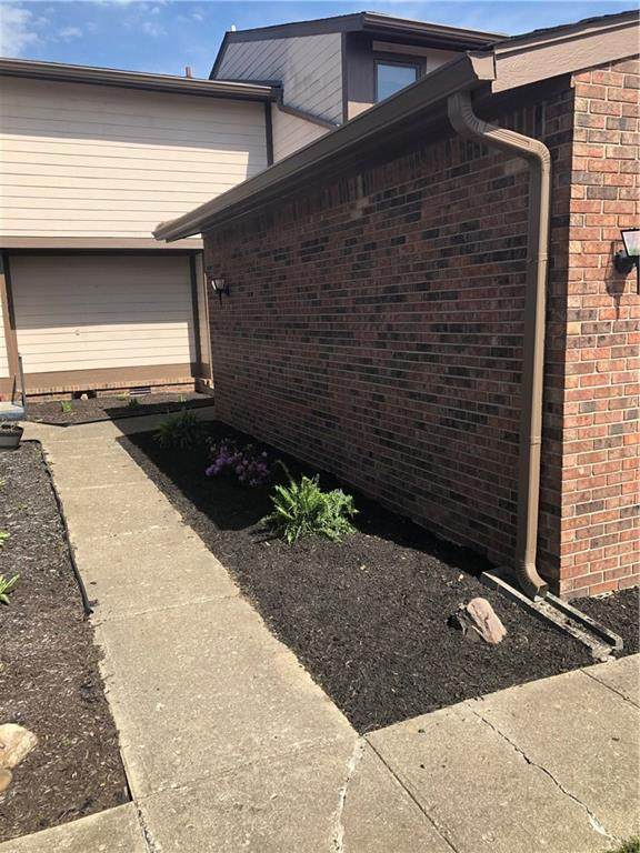 583 Cielo Vista Court, Greenwood, IN 46143 (MLS #21705803) :: The ORR Home Selling Team