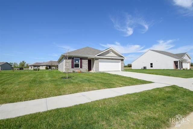 1100 W Nature Pointe Lane, Muncie, IN 47304 (MLS #21709521) :: Heard Real Estate Team | eXp Realty, LLC