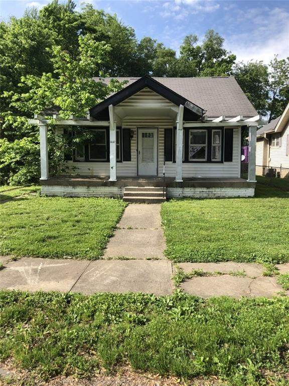 1410 W 11th Street, Anderson, IN 46016 (MLS #21710347) :: The Indy Property Source