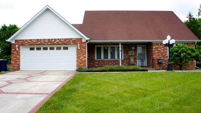 219 Lori Ann Drive, Whiteland, IN 46184 (MLS #21719870) :: Anthony Robinson & AMR Real Estate Group LLC