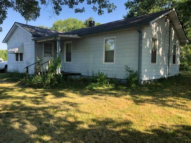 3138 W Anderson Street, Anderson, IN 46011 (MLS #21720157) :: Anthony Robinson & AMR Real Estate Group LLC