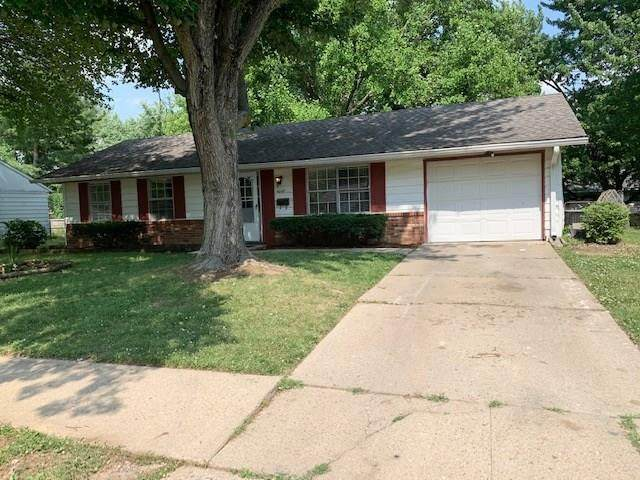 4049 Whitaker Drive, Indianapolis, IN 46254 (MLS #21720234) :: Mike Price Realty Team - RE/MAX Centerstone
