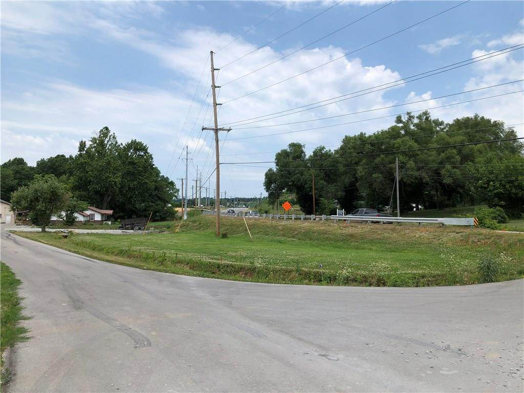 1675 State Road 252 Highway - Photo 1