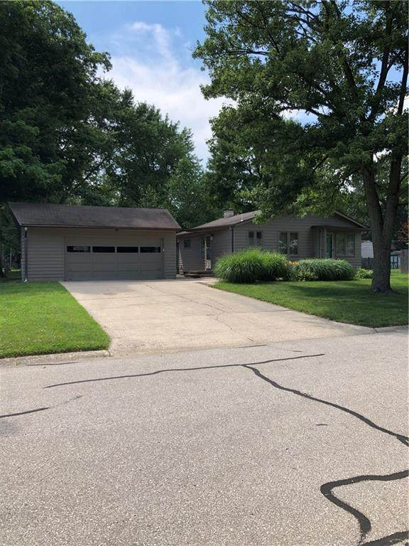 2812 Beech Drive, Columbus, IN 47203 (MLS #21723670) :: The Indy Property Source