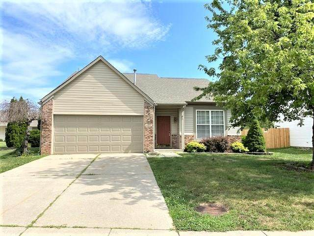 4852 Pineleigh Place, Greenwood, IN 46143 (MLS #21723949) :: Mike Price Realty Team - RE/MAX Centerstone