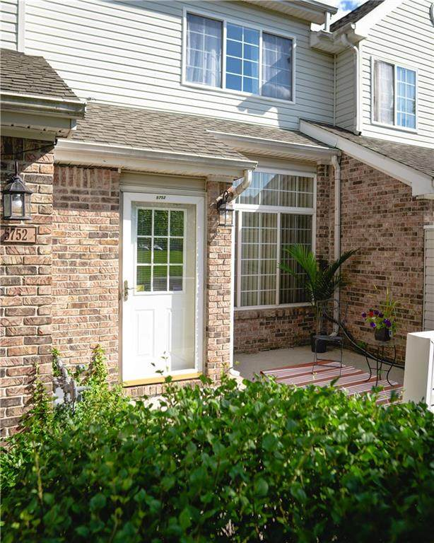 5752 Carrousel Drive, Indianapolis, IN 46254 (MLS #21730745) :: AR/haus Group Realty
