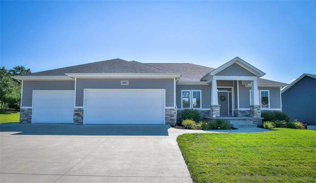 1497 Maple Ridge Court - Photo 1