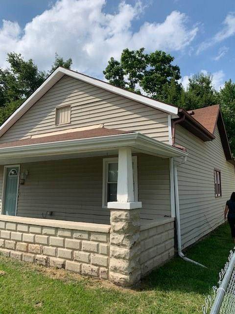 1302 E 6TH Street, Muncie, IN 47304 (MLS #21732296) :: Mike Price Realty Team - RE/MAX Centerstone