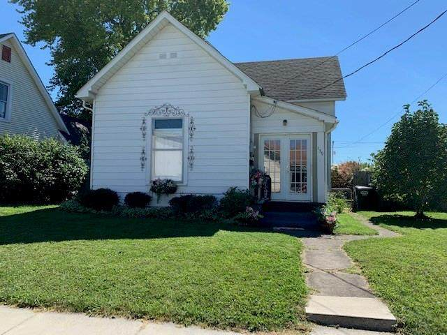139 E Pearl Street, Greenwood, IN 46143 (MLS #21737174) :: Mike Price Realty Team - RE/MAX Centerstone
