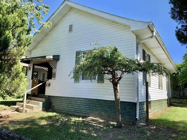206 S 7th Street, New Castle, IN 47362 (MLS #21739984) :: Mike Price Realty Team - RE/MAX Centerstone