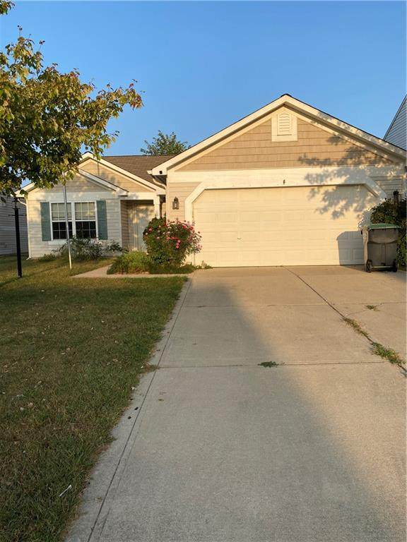 1415 Round Lake Road, Greenwood, IN 46143 (MLS #21740413) :: David Brenton's Team