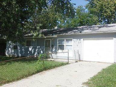 8404 E 42nd Place, Indianapolis, IN 46226 (MLS #21740471) :: David Brenton's Team