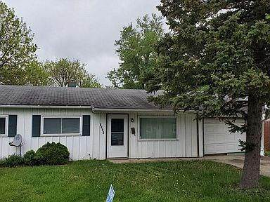 8432 E 42ND Place, Indianapolis, IN 46226 (MLS #21740474) :: David Brenton's Team