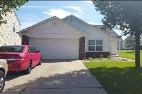 2285 Raymond Park Drive, Indianapolis, IN 46239 (MLS #21740905) :: Richwine Elite Group