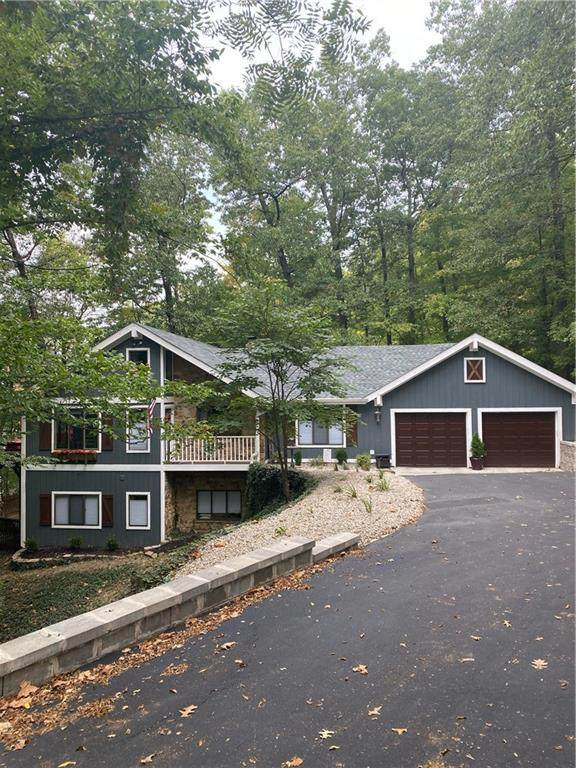 4254 N Foxcliff Drive W, Martinsville, IN 46151 (MLS #21742015) :: AR/haus Group Realty