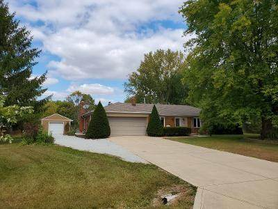 2906 W Walnut Drive, Greenfield, IN 46140 (MLS #21742449) :: Anthony Robinson & AMR Real Estate Group LLC