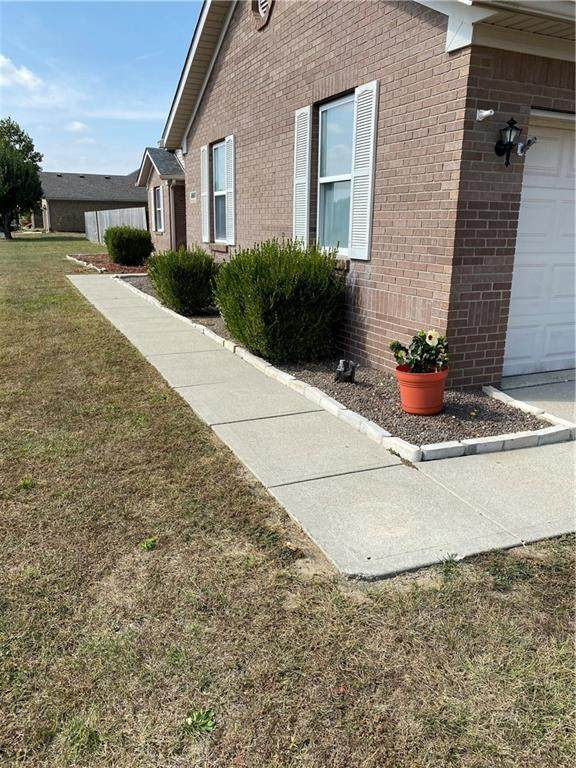 3660 White Tail Run, Mooresville, IN 46158 (MLS #21742580) :: The Indy Property Source