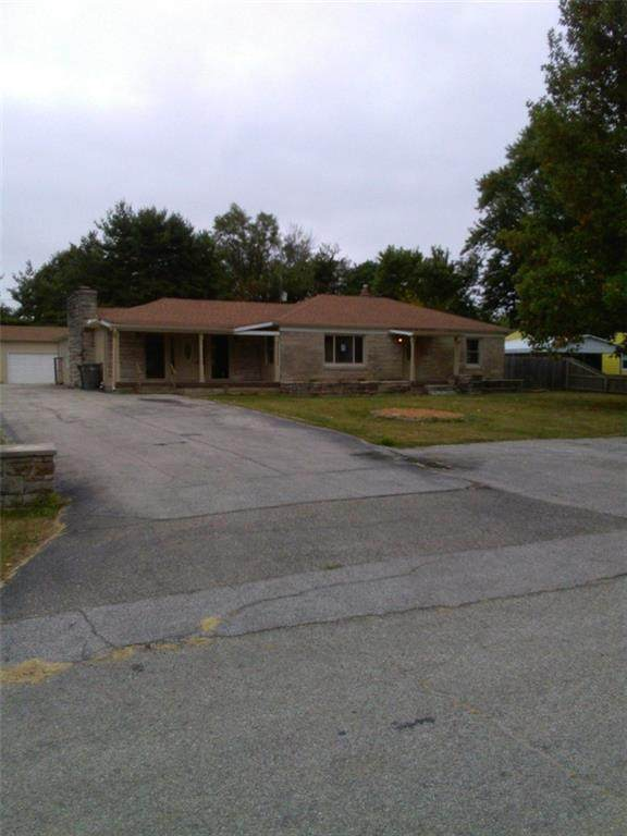2209 Green Rock Lane, Indianapolis, IN 46203 (MLS #21742838) :: The Indy Property Source