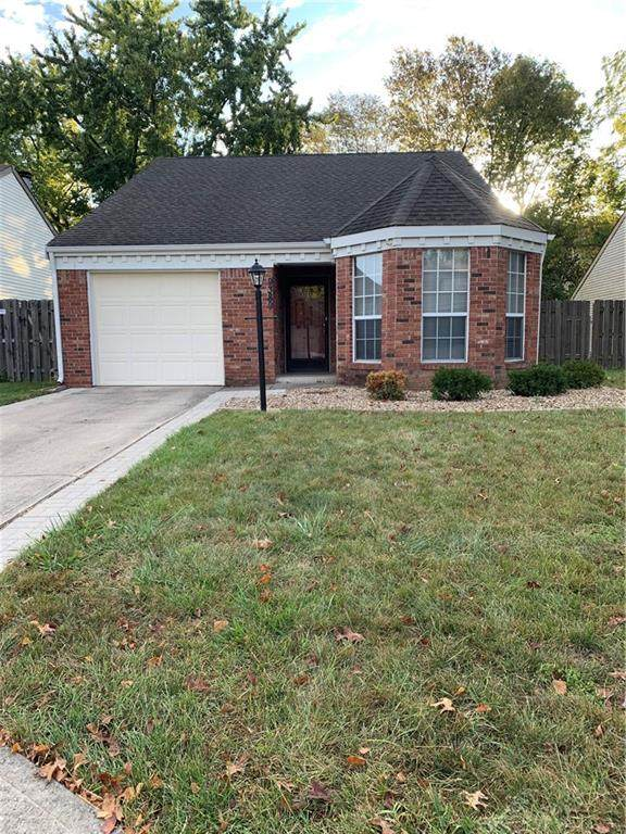 9389 Colony Pointe East Drive, Indianapolis, IN 46250 (MLS #21743095) :: HergGroup Indianapolis